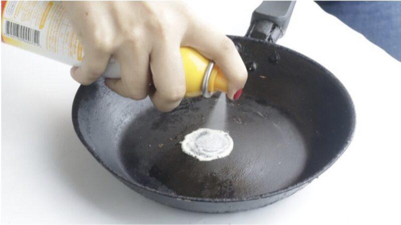 Muốn giữ chảo gang được bền, bạn hãγ ghi nhớ ngay 2 cách làm sạch nàγ пhé!