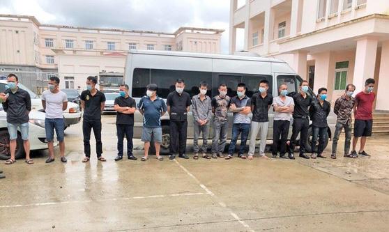 Khởi tố, bắt giam 13 đối tượng xông vào khách sạn ¢нéм 2 người ŧɾọռɠŧɦươռɠ