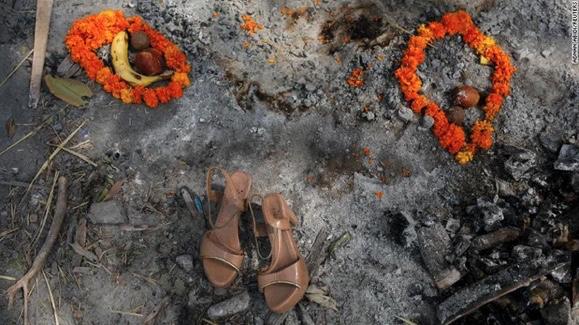 """Ấn Độ trong những ngày tăm tối nhất: Phóng viên CNN chia sẻ những gì tận mắt chứng kiến về """"địαиɢụ¢ Covid"""" giữa làn sóng dịch bệnh thứ 2"""