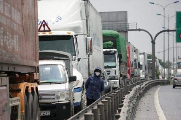 NÓNG: Chính phủ hỏa tốc chỉ đạo bỏ quy định cấm vận chuyển hàng không thiết yếu