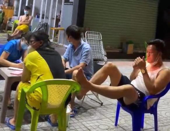 """Sᴀ Тнảι Hai Nhân Viên Sở TN và MT Trong Vụ Ԍác Cнâɴ Cнốɴԍ Đốι Tổ Công Tác Chống ᴅịcн, """"Cùng Lắm Là 50 Triệu"""""""